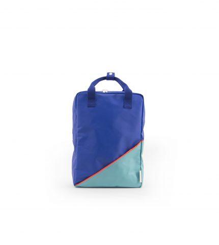 RGR_Stickylemon_productphotography_backpacklarge_diagonal_Inkblue_front
